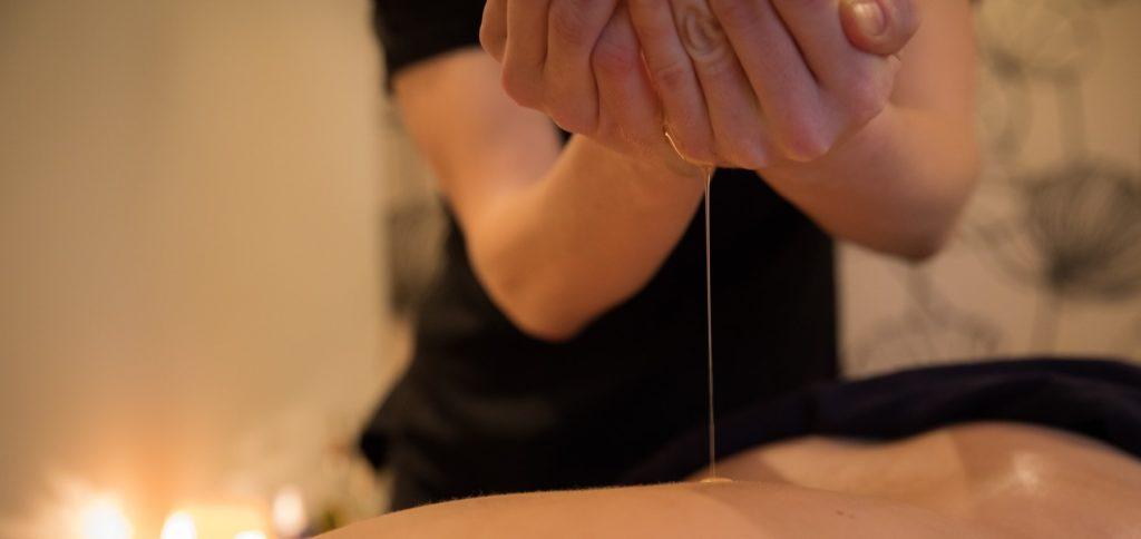 Warm oil massage in Henley